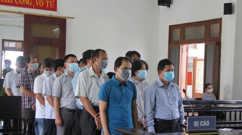 Xét xử vụ lộ đề thi công chức ở tỉnh Phú Yên: Nhiều nguyên cán bộ sở, ngành hầu tòa
