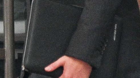 Chi tiết ngọt ngào trên vali của Hoàng tử Harry