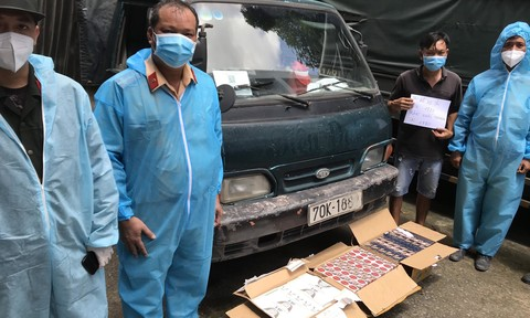 CSGT phát hiện xe 'luồng xanh' chở thuốc lá lậu, không chứng từ hợp lệ
