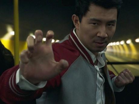Phim bom tấn 'Sang-Chi' tiếp đà 'khuynh đảo' phòng vé Bắc Mỹ