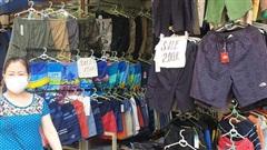 Hà Nội: Hàng loạt cửa hàng quần áo, thời trang treo biển giảm giá, tuyển nhân viên trong ngày đầu được kinh doanh trở lại