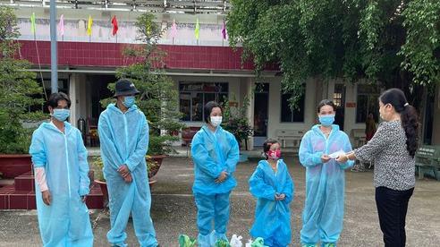 5 người trong một gia đình khó khăn được hỗ trợ đưa về quê ở Tây Ninh