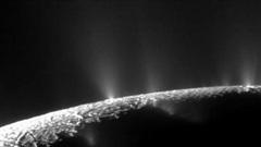 Có thể tồn tại sự sống trên mặt trăng của sao Thổ
