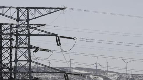 Trung Quốc thiếu điện, nhiều cửa hàng khu Đông Bắc đốt đèn cầy