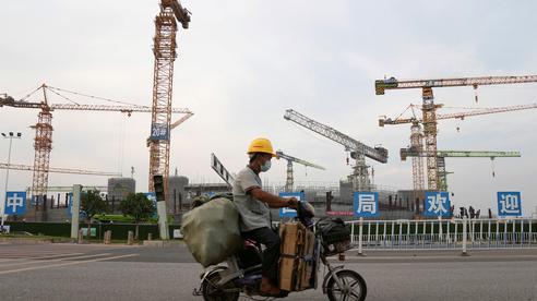 Trung Quốc ồ ạt bơm tiền chặn đầu 'bom nợ' Evergrande