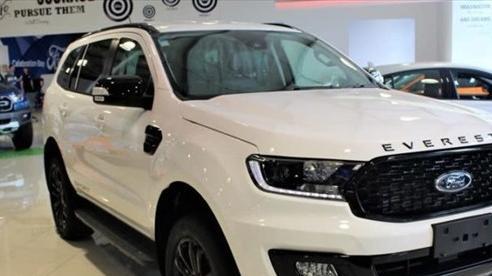Ô tô giảm giá sâu lên đến 200 triệu đồng cuối tháng 9