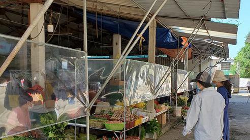 Tiểu thương Nghệ An 'vui như Tết' khi chợ hoạt động trở lại