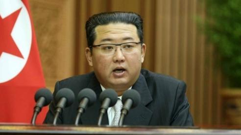 Sau vụ thử tên lửa: Chủ tịch Triều Tiên lần đầu xuất hiện, đề cập chính quyền mới của Mỹ, tuyên bố làm điều này với Hàn Quốc