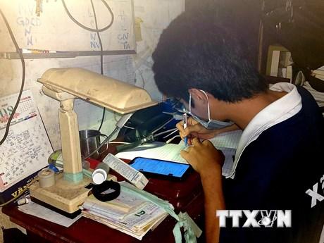 Bộ Tài chính đề xuất hỗ trợ học sinh mua máy tính học trực tuyến