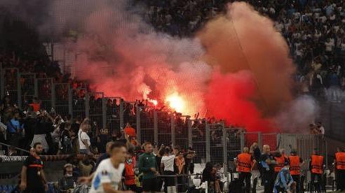 Bạo loạn liên hoàn 'nhấn chìm' Europa League: Bóng đá Pháp 'ê mặt' lần thứ 4