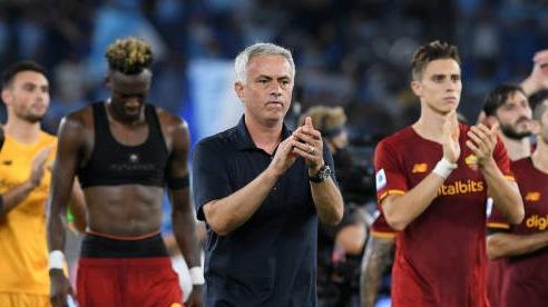 AS Roma thắng đậm, HLV Mourinho đón cột mốc mới ở đấu trường châu Âu