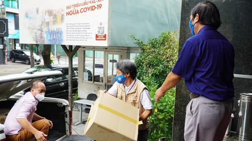 Mang 'vắc-xin tinh thần' đến Bệnh viện Từ Dũ, Bệnh viện Hùng Vương
