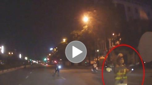 Lái xe ô tô thông chốt 141 phóng như điên trên đường