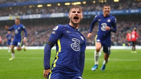 Timo Werner lập công giúp Chelsea chiếm ngôi đầu Premier League của Liverpool