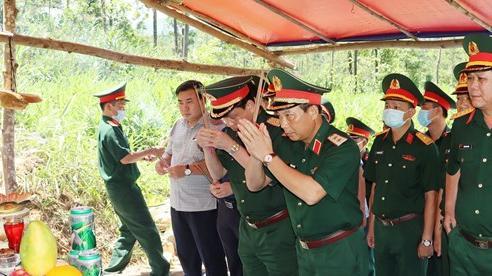 Dâng hương tưởng nhớ các liệt sĩ hy sinh khi cứu hộ tại Thuỷ điện Rào Trăng 3