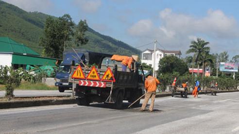 Quốc lộ 1.000 tỉ đồng xuống cấp