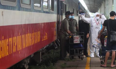Chuyến tàu đầu tiên đưa công dân Ninh Bình từ phía Nam về quê