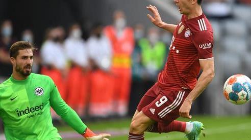 Thua sốc Frankfurt trên sân nhà, Bayern Munich bị ngắt chuỗi bất bại