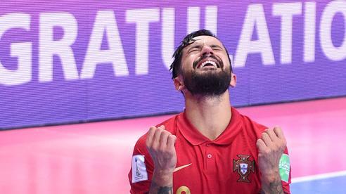 Chùm ảnh: Hai cảm xúc trái ngược trong trận chung kết Futsal World Cup 2021
