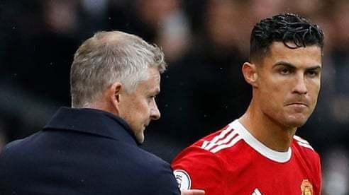 Năm cầu thủ MU, bao gồm cả Ronaldo không hài lòng Solskjaer