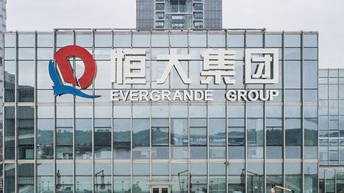'Bom nợ' Evergrande bất ngờ ngừng giao dịch cổ phiếu
