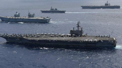 Cận cảnh tàu sân bay Mỹ, Anh, Nhật tập trận 'kiềm chế Trung Quốc'