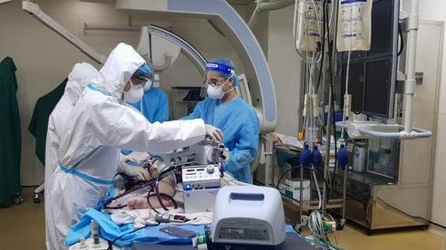 Can thiệp nút mạch thành công điều trị ho ra máu nặng ở bệnh nhân Covid-19