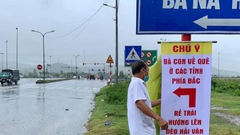 Người Đà Nẵng treo biển chỉ đường hướng dẫn người về quê không đi lạc đường