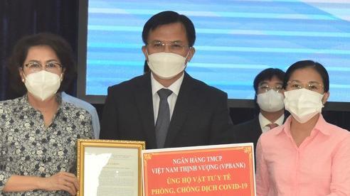 TPHCM tiếp nhận vật tư, trang thiết bị y tế hơn 368 tỷ đồng