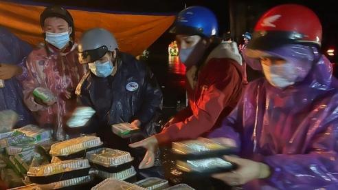 Đà Nẵng hỗ trợ hàng chục ngàn người về quê