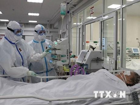 Nguyên nhân dẫn đến tỷ lệ tử vong vì COVID-19 cao tại Nga
