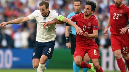 Đan Mạch và Anh quyết giành vé sớm dự World Cup