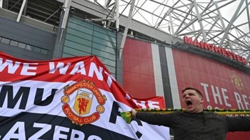 Gia đình nhà Glazer bán cổ phiếu của Man Utd, người hâm mộ ngao ngán