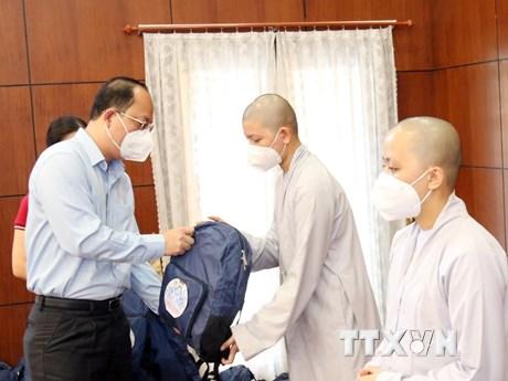 50 tăng ni, phật tử hỗ trợ Bệnh viện Hồi sức chuyên sâu COVID-19