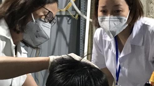 Sơ cứu kịp thời bệnh nhân tại Trạm y tế lưu động khu cách ly y tế liên quan chùm ca bệnh BV Việt Đức