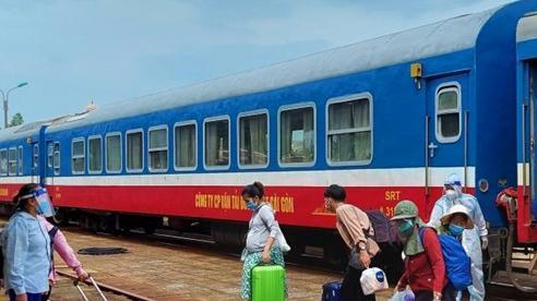 Quảng Bình đón gần 3.000 công dân từ phía nam về quê bằng tàu hỏa