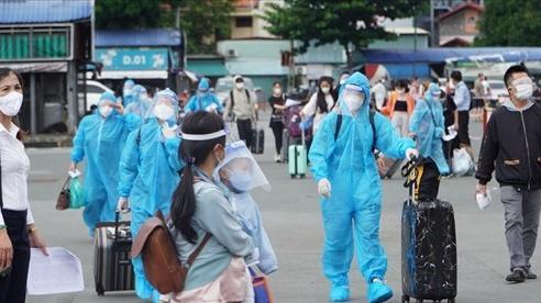 Lâm Đồng tổ chức đón hơn 3.000 người yếu thế về quê