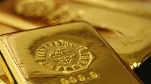 Giá vàng vọt tăng lên đỉnh 2 tuần rồi lại giảm sâu