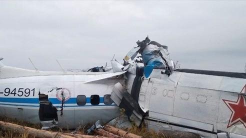 Rơi máy bay ở Nga, hàng chục người thương vong
