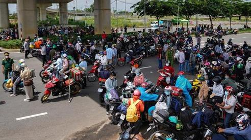 Người miền Trung, miền Bắc ở TP HCM sẽ được về quê bằng tàu hỏa từ ngày 15/10