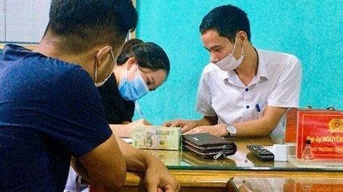 Hà Tĩnh: Cô giáo trả lại gần 66 triệu đồng 'đi lạc' vào tài khoản của mình