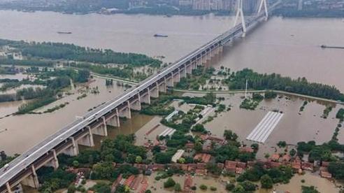 Trung Quốc: Sơ tán hàng trăm nghìn người, đóng cửa hàng chục mỏ than do lũ lụt