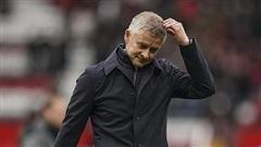 Huấn luyện viên Solskjaer bị chỉ trích thậm tệ vì Ronaldo