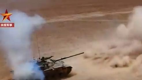 Đàm phán thất bại, xe tăng Trung Quốc tập trận rầm rộ sát Ấn Độ