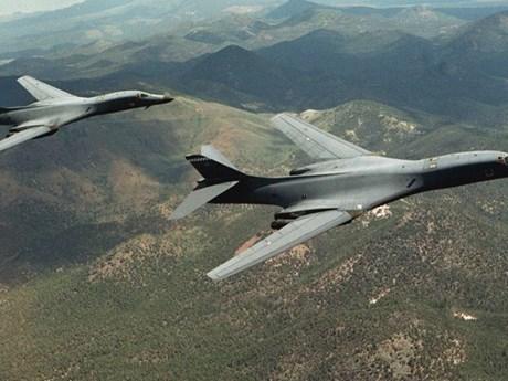 Máy bay ném bom B-1B Lancer của Mỹ bay gần biên giới Nga