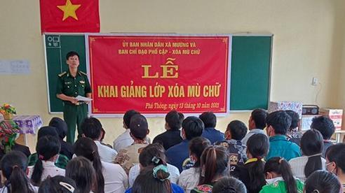 Khai giảng lớp học xóa mù chữ cho 61 học viên vùng biên