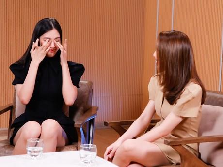 Hoa hậu Tiểu Vy bật khóc trong lần đầu chia sẻ về tri kỷ của mình