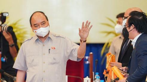 Chủ tịch nước Nguyễn Xuân Phúc gợi mở cách kiểm soát dịch và phát triển kinh tế cho TPHCM