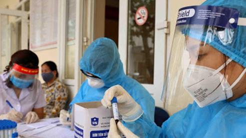 3 tình huống chỉ định người tiêm đủ liều vaccine phải xét nghiệm COVID-19