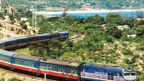 Gần 1.400 người Thái Bình 'mắc kẹt' trong Nam được đón về quê bằng tàu hỏa